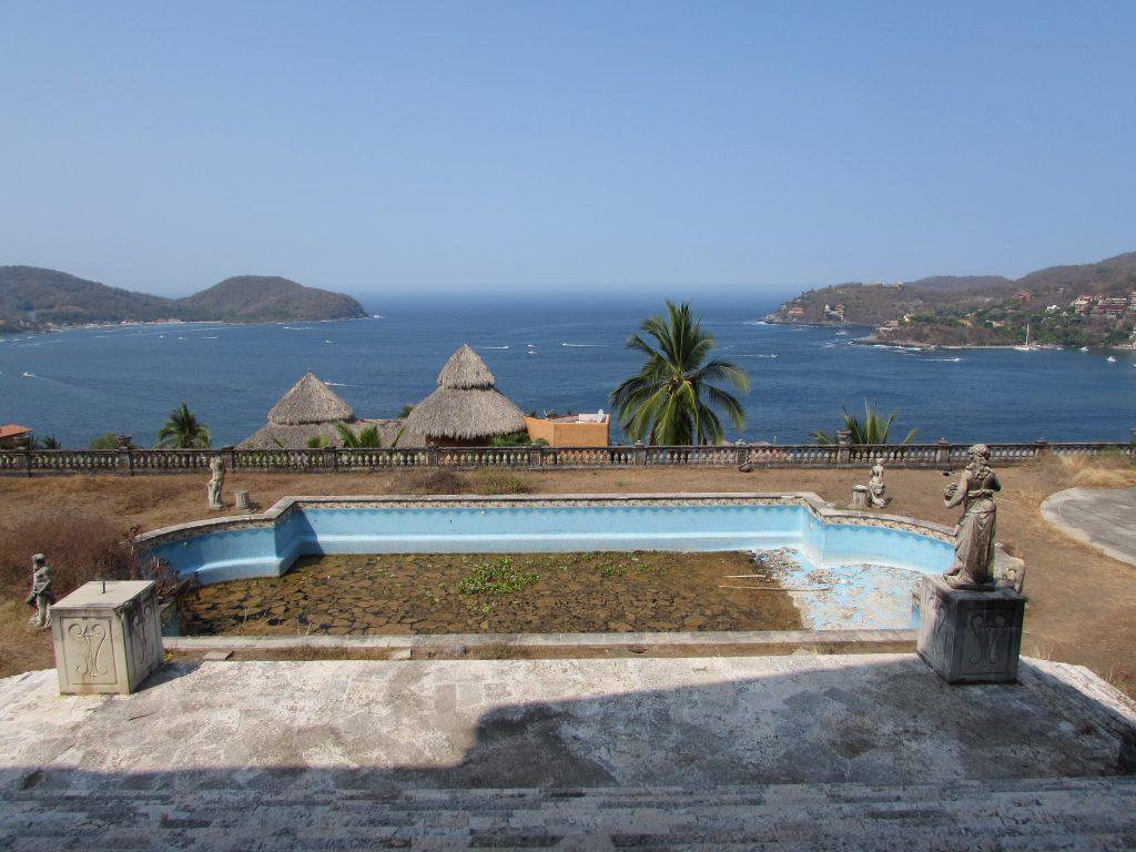 Increíble vista de la bahía de la Ropa Zihuatanejo
